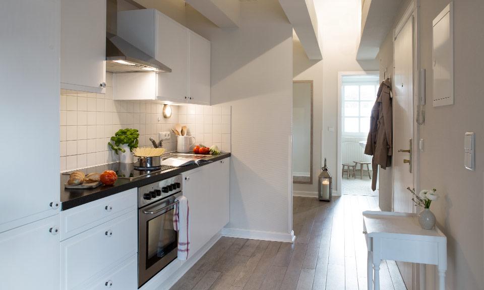 Hochwertige Komfort-Küche mit kompletter Ausstattung