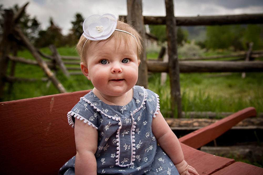 vintage-little-girl-on-colorado-springs-farm