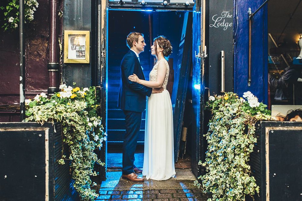 bridal-portrait-magmod-blue-backlight