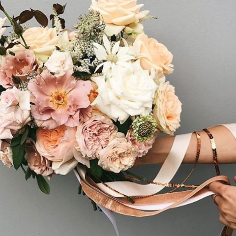 That's a pretty yummy bouquet over at @boutierre_girls 🍂🍑 #instaflowercrush