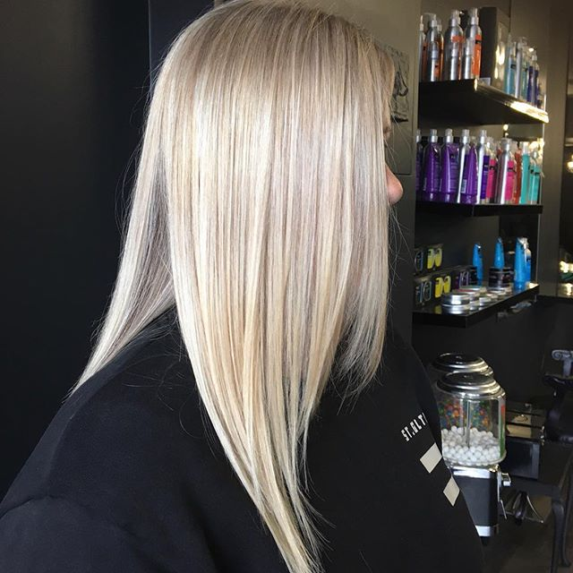 Blonde blonde blonde! Want to know how to keep your blonde fresh like this between visits? We have some secret weapons available in salon so make sure you ask about home maintenance in your next visit. Hair by Azran