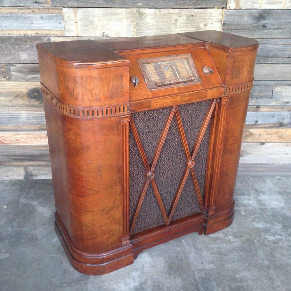 Vintage Silvertone Radio $50