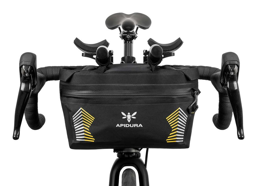 apidura-racing-handlebar-pack-5l-on-bike-1.jpg