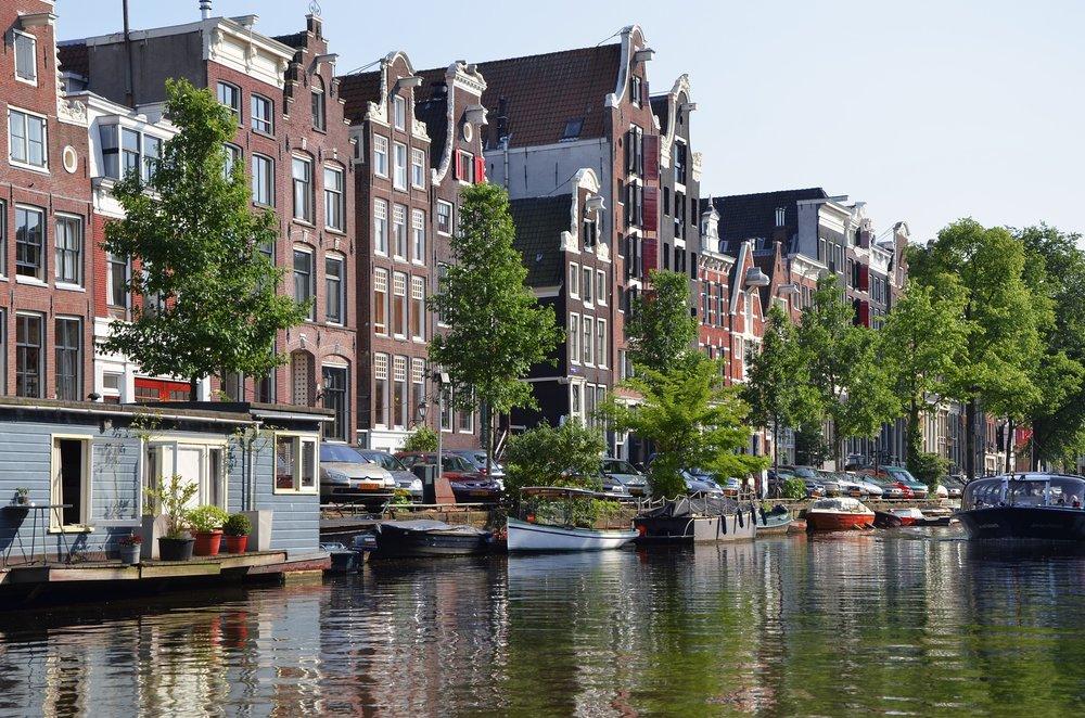 amsterdam-988040_1920.jpg