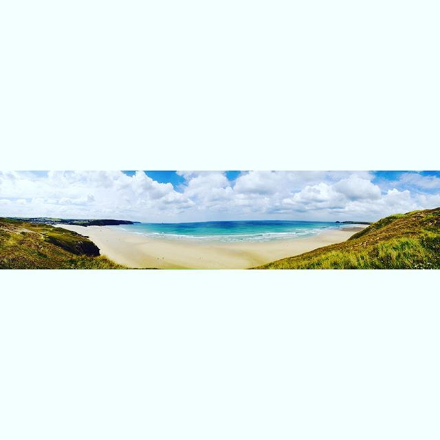 That view though 👌🏻 #hellovaview  #ocean #sand #blueskies #yesthisisengland #paradise #heavenonearth