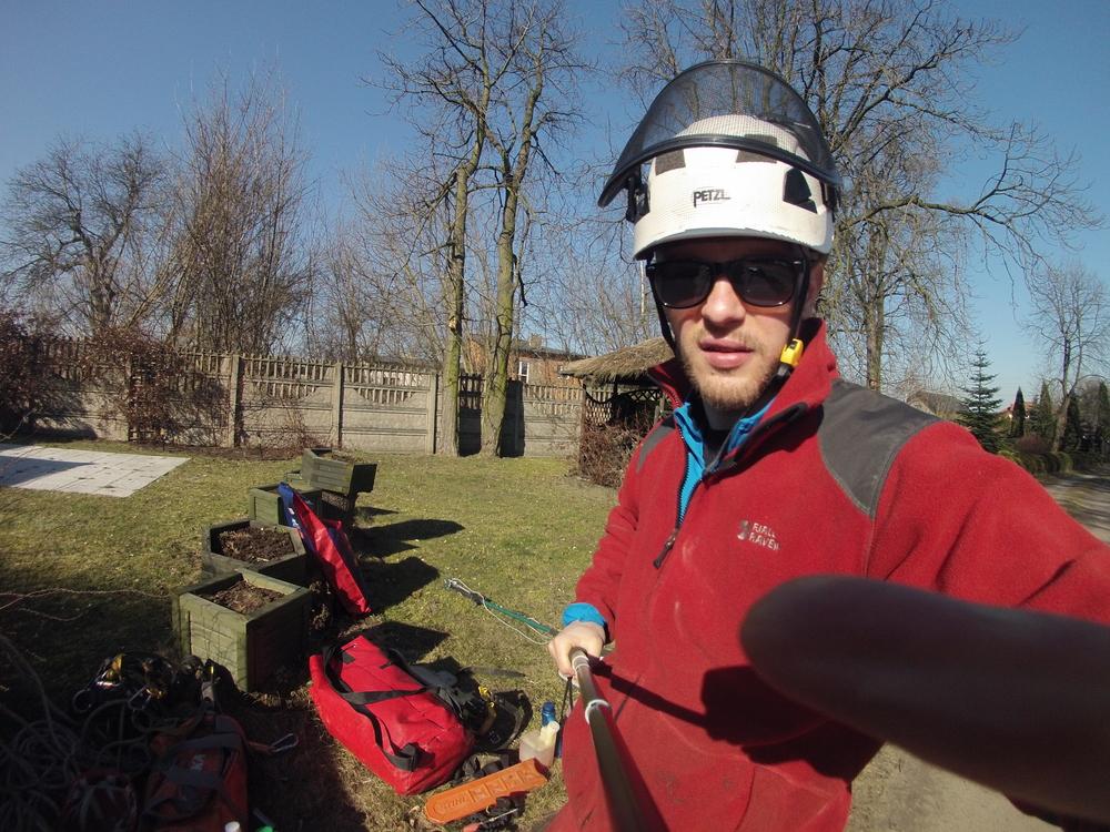Alpinista przycinanie drzew Łódź