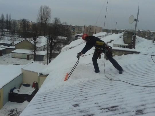 Usówanie nawisów śnieznych