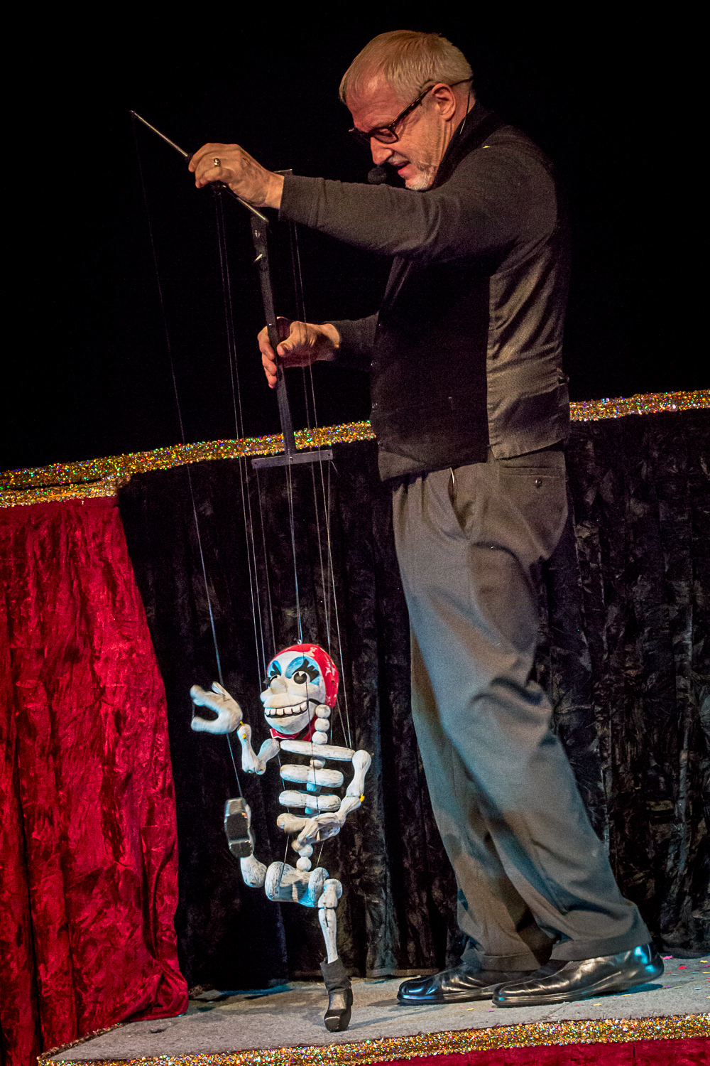 2015 Chicago International Puppet Festival Philamonjaro-0276.jpg