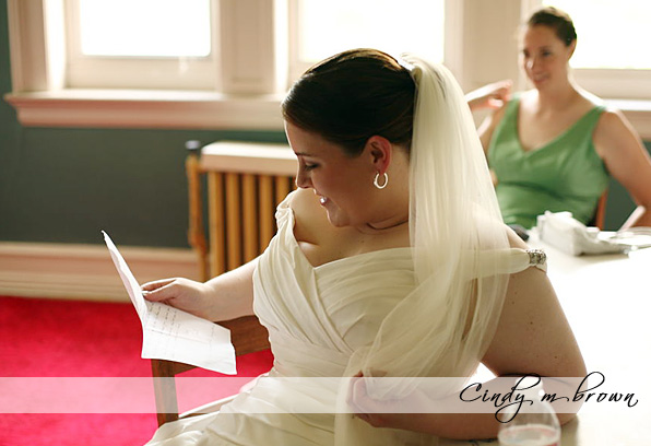bride reads note from her husband to be