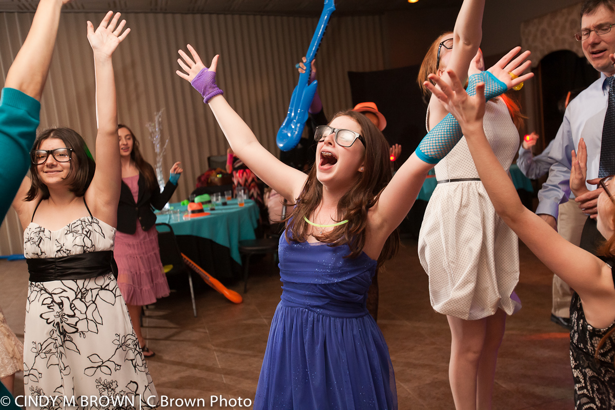 Bat MItzvah Girl Has a Blast