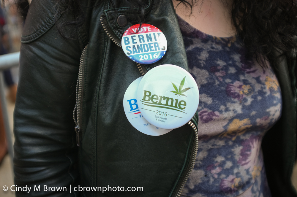 DO20160216-Bernie-Buttons1006.jpg