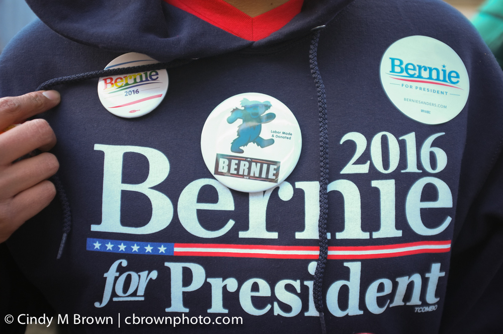 DO20160216-Bernie-Buttons1007.jpg
