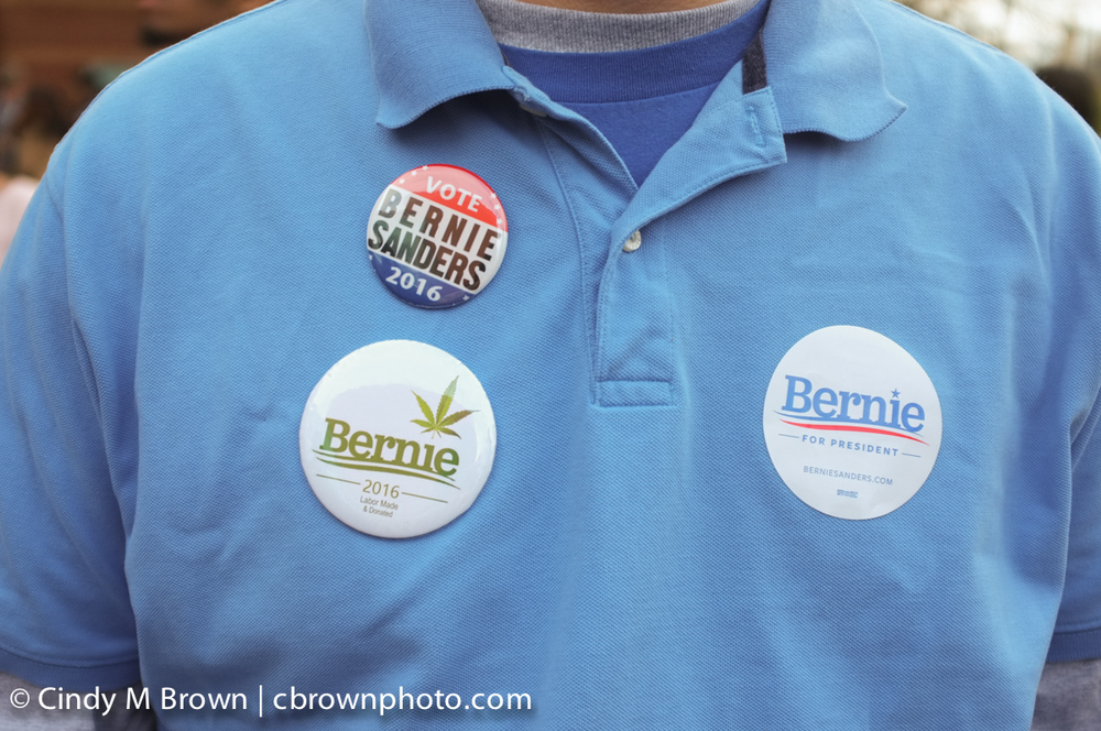 DO20160216-Bernie-Buttons1012.jpg