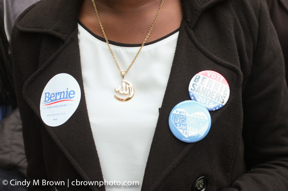 DO20160216-Bernie-Buttons1020.jpg