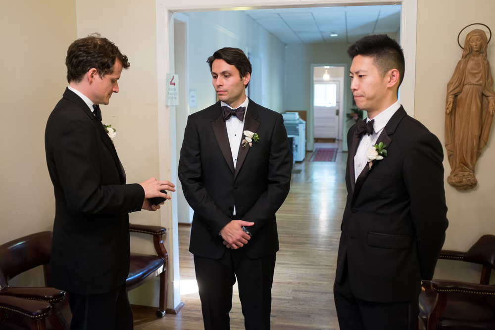 groom-waiting