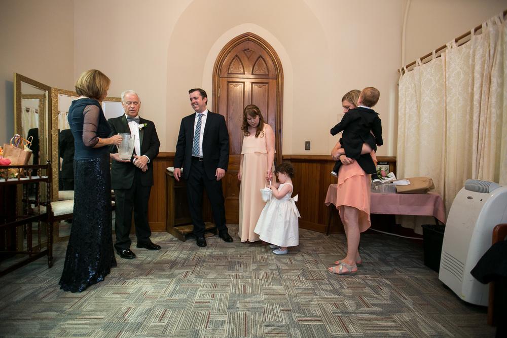 brides-family-waits