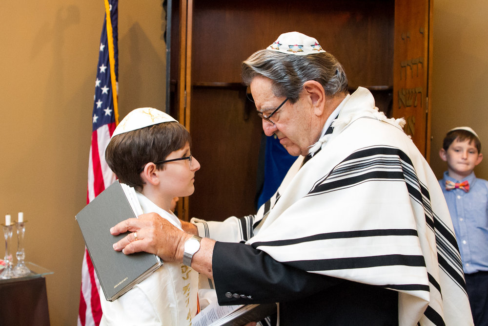 rabbi-mitzvah-photograph.jpg