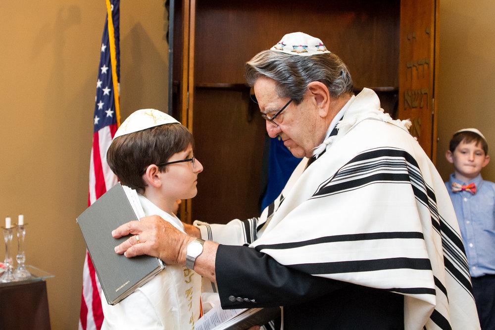 rabbi-mitzvah-photograph.jpg