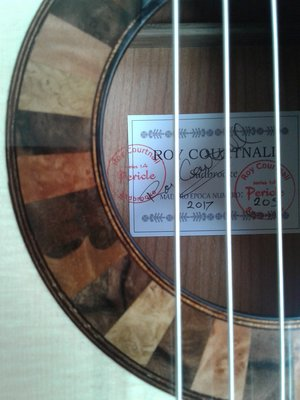 roy courtnall guitar label and rosette