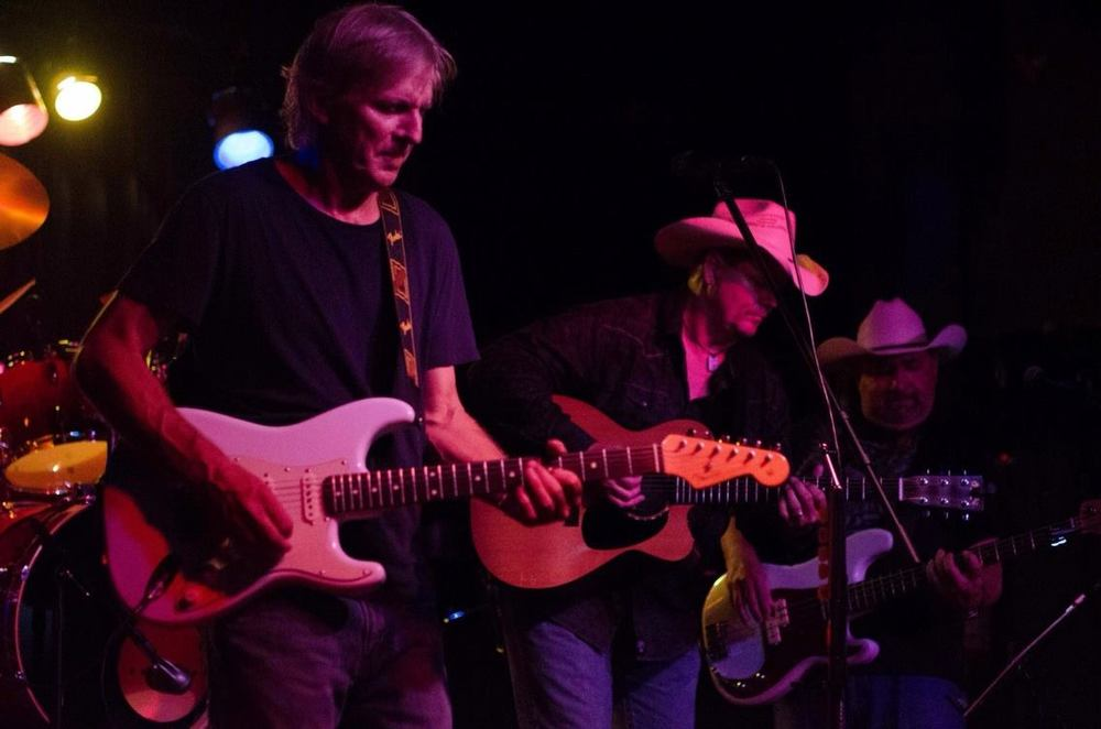 Tres Guitars!.jpg
