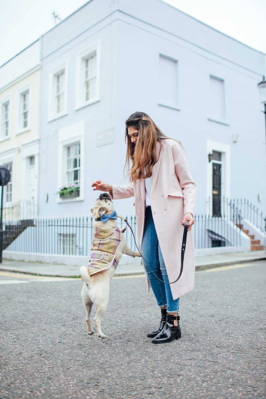 dogblog-london-bestdogbloginlondon-dogfashion-dogfashionblog-fashionandlifestyle-streetstyle-pugswag-humanandhound-pink-fallfashion-falltrends-dogsinclothes-dapperdogs-pug-puglife-bestdressedpug-fashionblogger-newyork-uk-pinkwintercoat-puglife-twinning-bestdressedpug-awesome-best-bestdogbloglondon-dogfashionlondon-coolestdogblog-cooldogs-vintagecar-mint-topdogbloglondon-bestdogblog