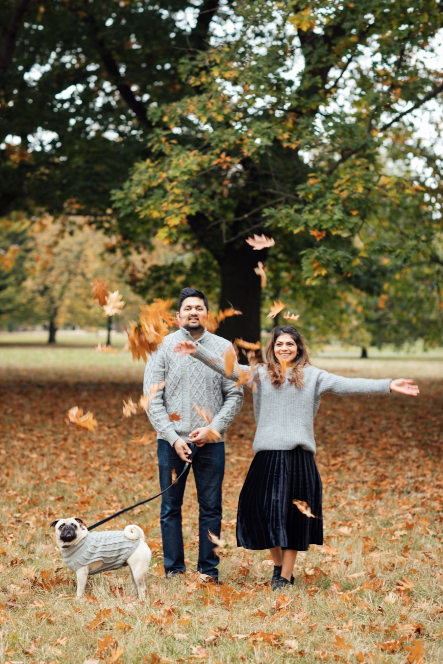 topdogblog-bestdogblog-dogblog-besttopdogbloglondon-topdogbloglondon-humanandhoundstyle-fashion-petfashion-dogfashion-coolpups-dogsinclothes-dogfashionblog-petfashionblog-ari&m-fall-fallleaves-autumn-fallwinterstyle-falltrends-family-thanksgiving-lovemyfam-familyshoot-portraitshoot-meandmypug-velvetskirt-pleatedskirt-falllooks-dapperdogs-dogsinbowtie-pugswag-pug-puglife-red-fallwinter2016