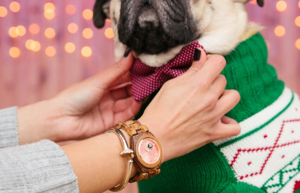 jordwatch-woodwatch-giftsforher-holiday2016-uniquegift-coolgift-whattowear-readytowear-tistheseason-holidayready-holidayparty-greatgift-humanandhoundfashion-topdogblog-dogblog-dogfashionblogger-london-bestdogfashionblog-bestpetfashionblog-pug-bestdogbloglondon-topdogbloglondon
