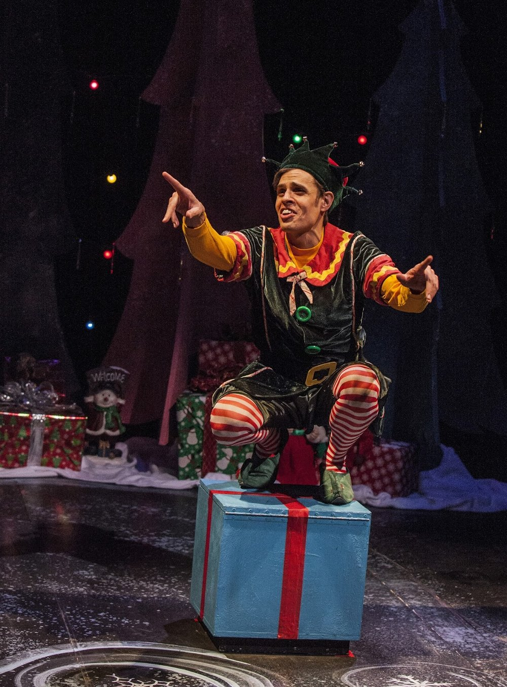 Ray Caspio as Crumpet in the 2015 production of The SantaLand Diaries.