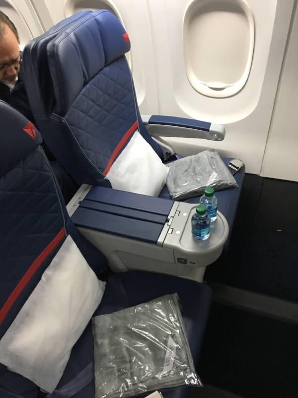Review Delta First Class Domestic 757 Minneapolis To