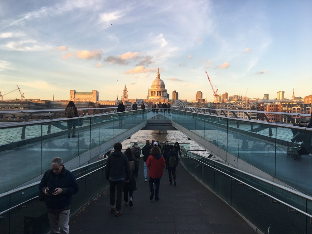 MILLENNIUM BRIDGE FOR YOU HARRY POTTER FANS