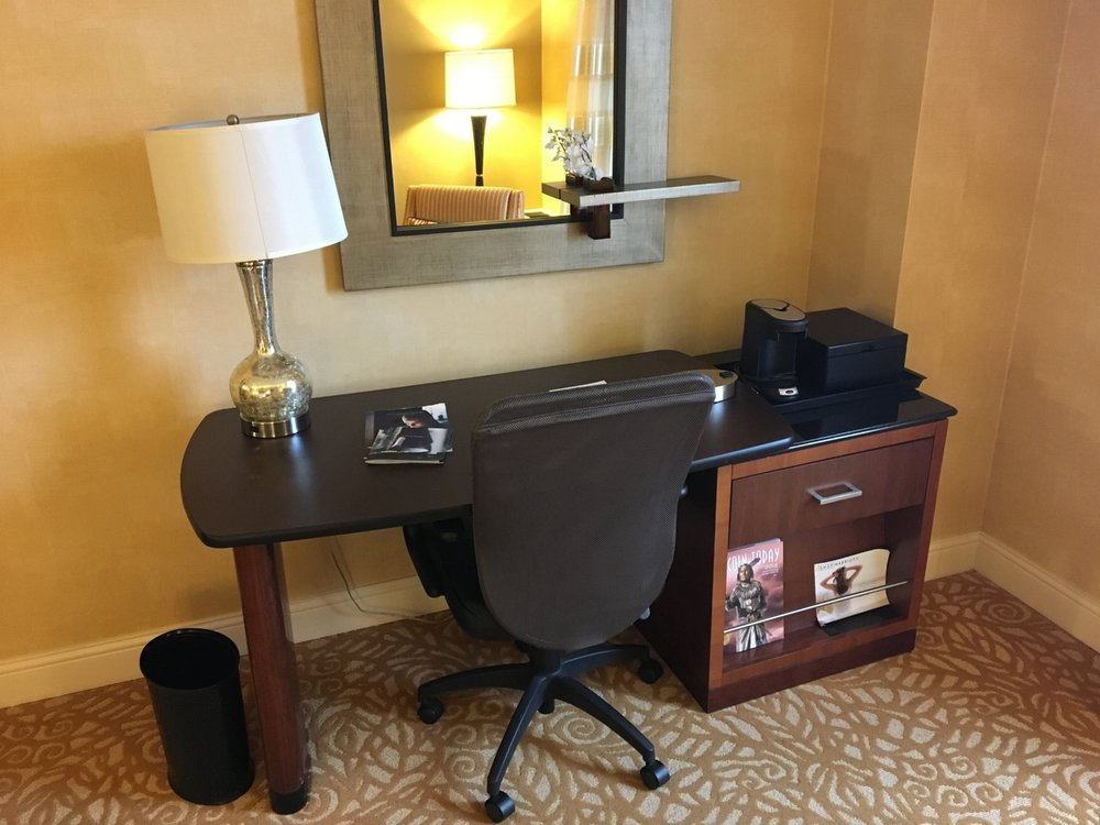 Lincoln Marriott Cornhusker Concierge Level room