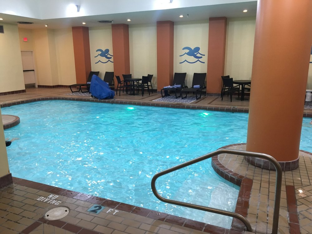 Lincoln Marriott Cornhusker pool