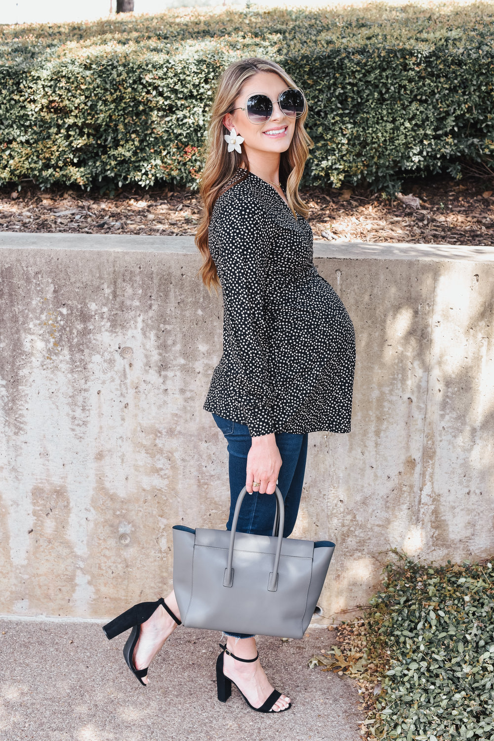 Isabella Oliver - Maternity Style - Date Night Style