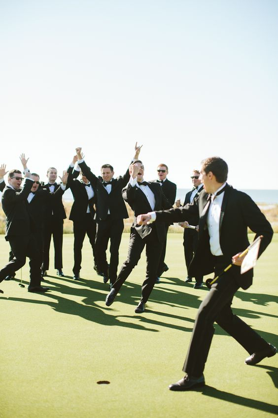 How to Choose Your Wedding Party | Photo by Angela Cox | Bespoken www.bespokenweddings.com