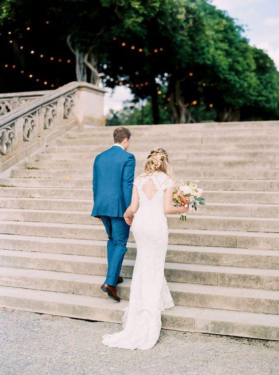 Rachael McIntosh Photography  via  Grey Likes Weddings