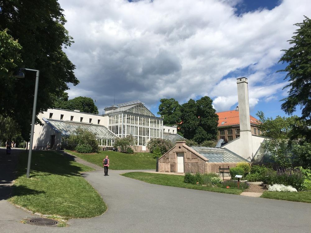 university botanical garden gree houses