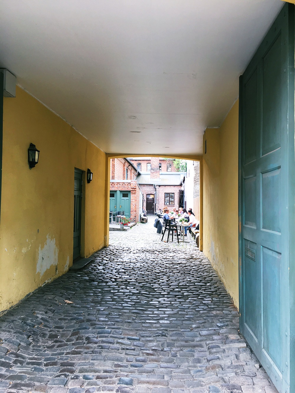little alley