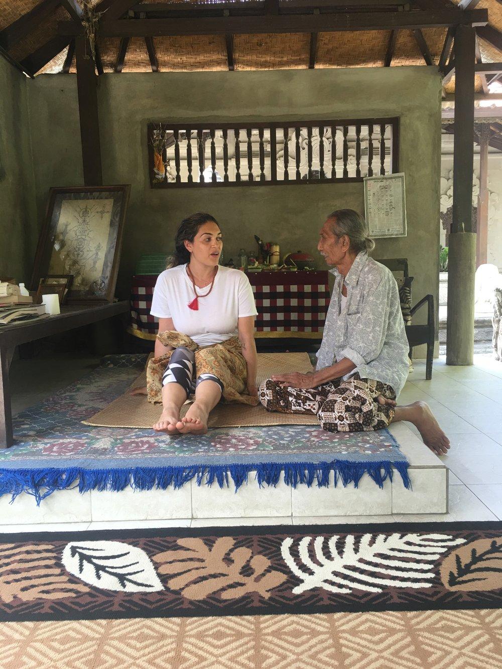A visit to Tjakorda Rai (or Cokorda Rai). A 90 year old Balinese healer.