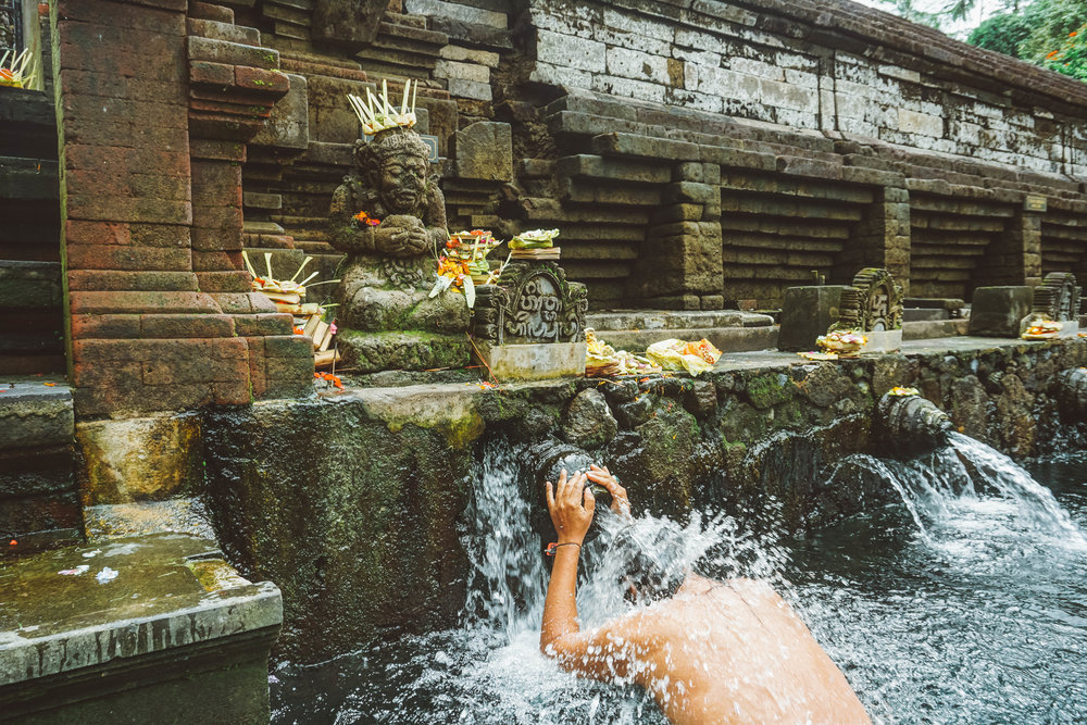 Mangku Kandia Purifies at Tirta Empul