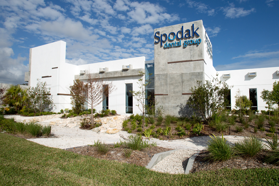 SPODAK DENTAL OFFICE - Delray Beach, FL Spodak Dental Group Michael Singer Studio | Richard Jones Arch.