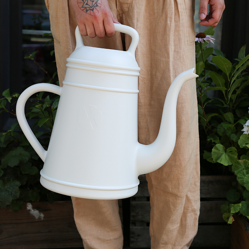 watering_can_hilary_horvath_flowers_alderandco