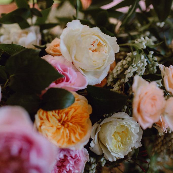 roses_wedding.jpg