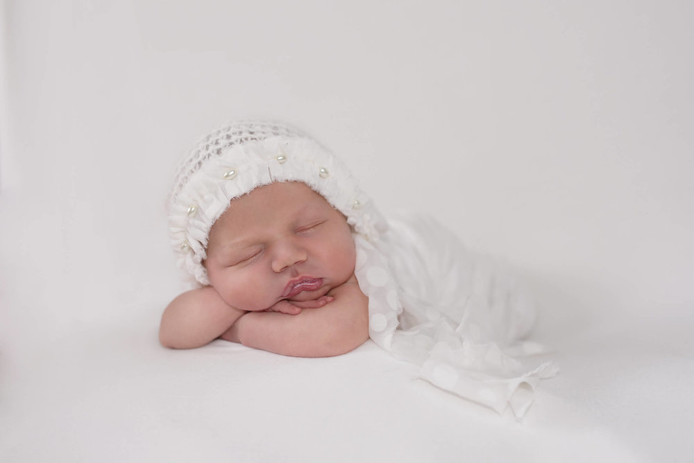cute photos for babies first picture, newborn photographer Frederick MD