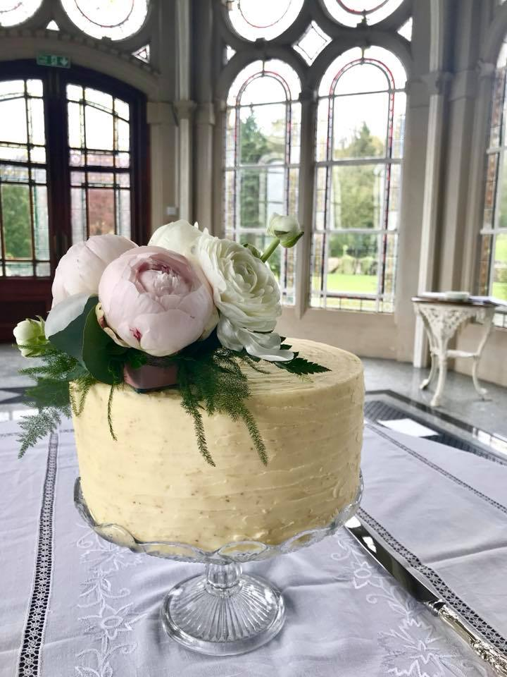 Single-tier-wedding-cake