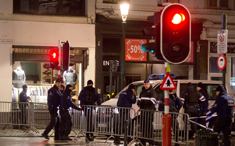 16 detained in Belgium as Brussels stays on maximum alert