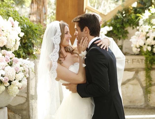emily-thorne-daniel-grayson-wedding-main-630.jpg
