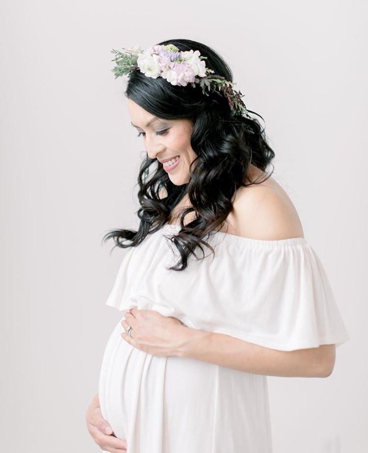 Trousseau Style Maternity Shoot