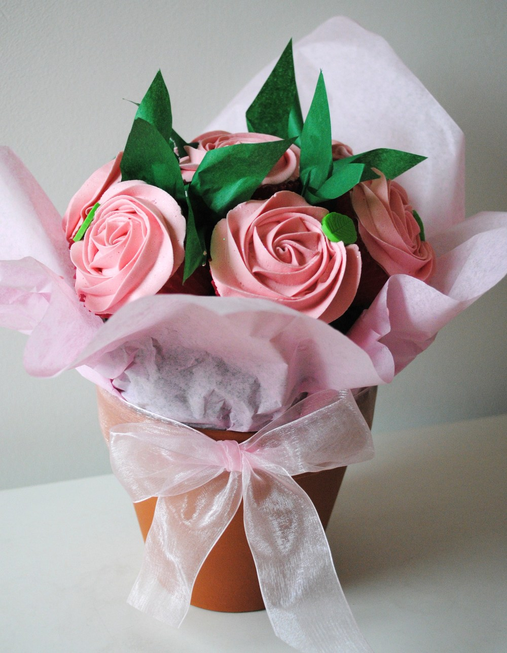 Cupcake bouquets nanettes kitchen rose garden small 5 6 cupcakes 45 large 8 9 cupcakes 65 izmirmasajfo