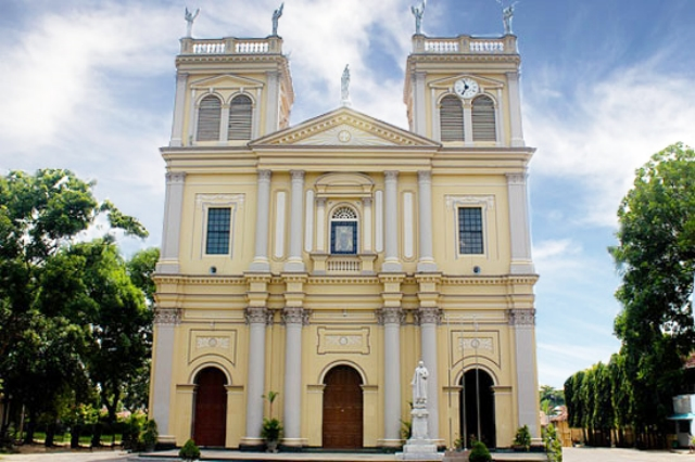 Negombo St marys church.jpg