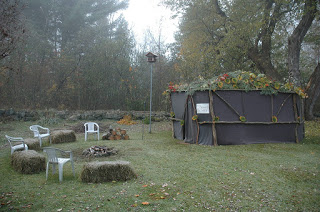 The temporary structure Jews make and use on Sukkot ( wikimedia )